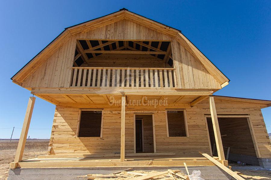Одноэтажный дом с мансардой 64 кв. м в мкр. Амурский